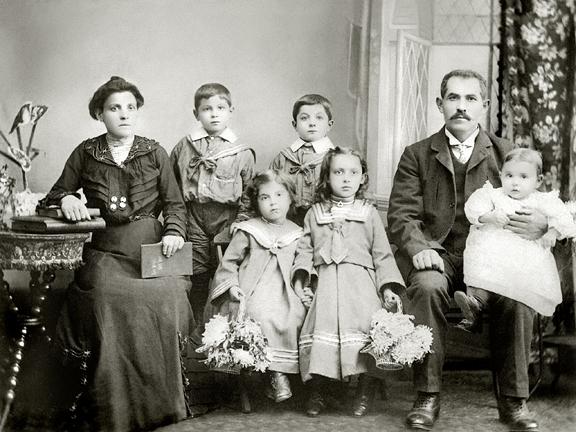 korn_family_circa_1903